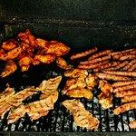 Carne a la parrilla en la terraza de El Chiringuito - Carnes a la Brasa en Salinas (Alicante)