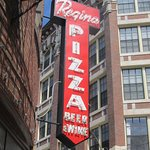 North End Neighborhood Tour - Iconic Pizza!