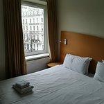 Photo de Ambassadors Hotel