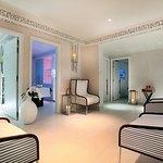 Five Seas Hotel Cannes resmi