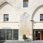 Hotel Restaurant Le Dauphin & Le Spa Du Prieure