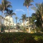 Photo de Kimpton Surfcomber Hotel