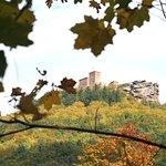 Burg Trifels im Herbst