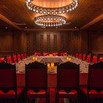 Caesar's Steak House & Lounge Foto