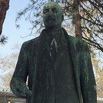 Karl Seitz statue up close