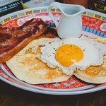 Ảnh về Bunker Bed Breakfast Bar