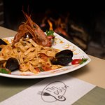 Pasta with shrimps and mussels