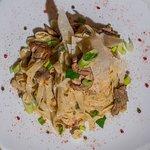 "Tagliatelle ""Pirouni"" with sirloin fillet, mushrooms and cream"