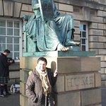 Foto de Estatua David Hume