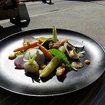 Salade de légumes et os a moelle