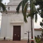 plazuela de Jesús Nazareno con la iglesia del mismo nombre.