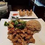 Lunch Chicken hibachi and crab rangoons, comes with four