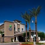 Holiday Inn Express Hotel & Suites Phoenix-Glendale