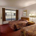 Photo of Howard Johnson Inn & Suites Columbus GA