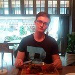 мраморная говядина и пицца с грушей и горгонзолой
