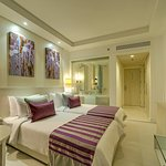 4 star hotels in new  Delhi,corporate hotels in Green Park