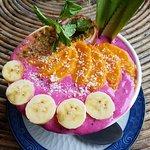 Pink Dragonfruit Smoothie Bowl