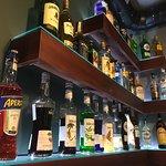 Классический бар с оригинальной подачей