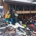 Photo de Mooserwirt - wahrscheinlich die schlechteste Skihutte am Arlberg