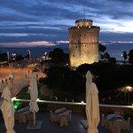 Photo de White Tower of Thessaloniki