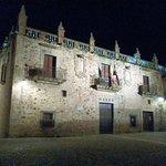 Palacio de las Veletas (museo Arqueológico): iluminación nocturna.