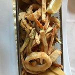 Piccolo fritto di verdure e calamari