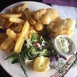 Fish and chips, tarte XXL, wok de gambas aux nouilles sautées. C'était très bon pour le wok des