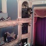 sehr schön restauriertes Theater