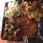 Frisches Schnitzel und Mangomouse mit Zander-ausgezeichnet!