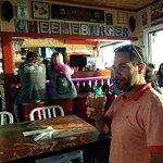 Photo de Cheeseburger In Paradise