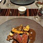 メインの肉料理「黒毛和牛のフィレ肉ロースト」