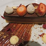 Duetto di Cicolatta - chocolate mousse with an almond praline and fresh raspberries