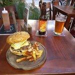 Burger and a Cucapa