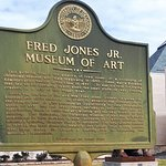 Fred Jones Jr. Museum of Art Foto