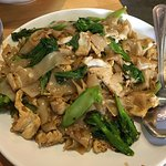 Foto de Luv2Eat Thai Bistro
