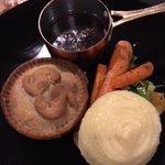 Stilton and Steak pie