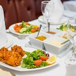 Cinnamons of Axminster: food pictures - onion bhajis and assorted starters