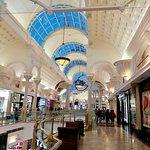 صورة فوتوغرافية لـ Canal Walk Shopping Centre