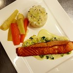 Pavé de saumon sur fondue de poireaux
