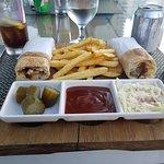 صورة فوتوغرافية لـ Maxine Restaurant & Cafe