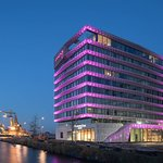 MOXY by Marriott Amsterdam Houthavens