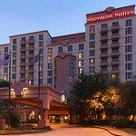 Sheraton Suites Market Center