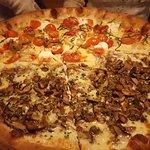 صورة فوتوغرافية لـ Salvatore's Tomato Pies