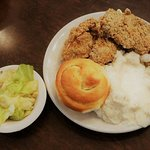 Fried chicken mashed potatoes and gravy with steamed cabage