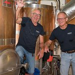 Chuck & Richard - Making the Pale Ale