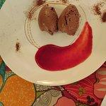 Mousse al cioccolato con culis di Lamponi