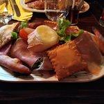 assiette alpine , spécialité de GAP( tourton et ravioles)