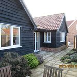 1, Suffolk Cottage, St.Andrew's Road, Knodishall, East Anglia IP17 IUR