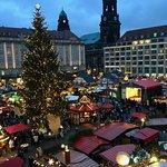 صورة فوتوغرافية لـ Dresden Christmas Market