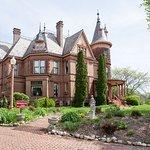 The Henderson Castle